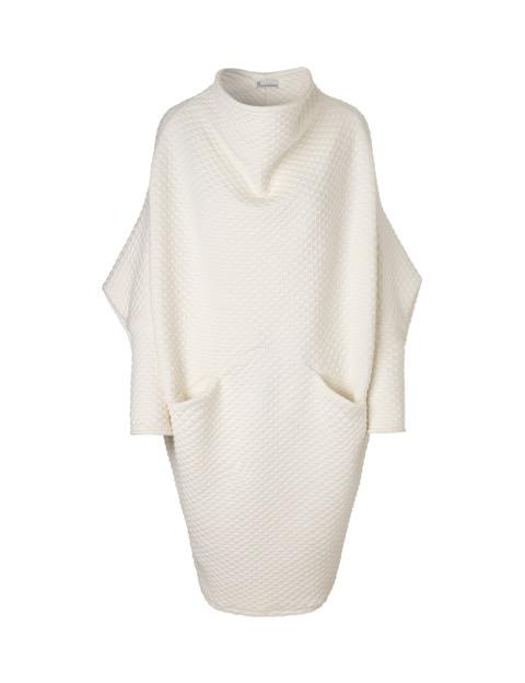 maja kjole i hvid med lange ærmer og lommer