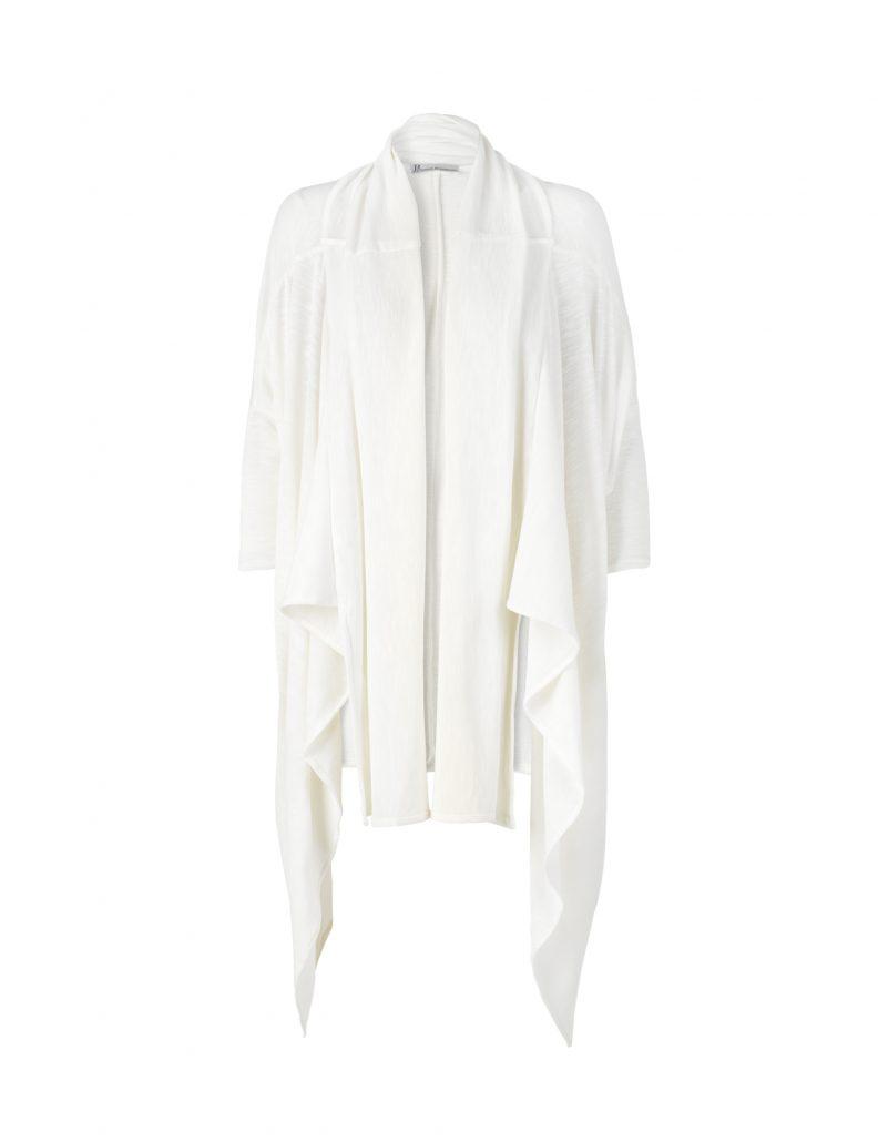 Cape in white by Johanne Rubinstein