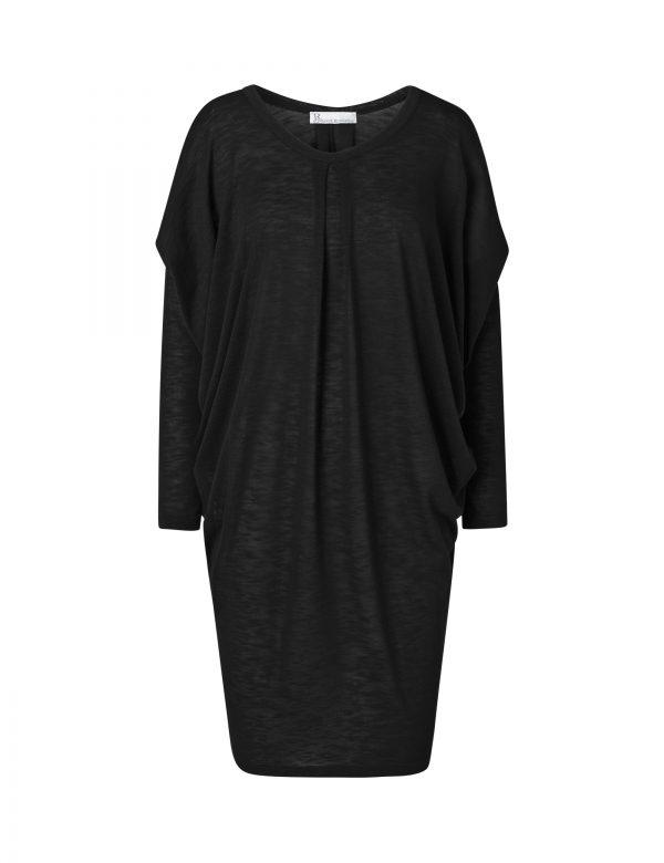 laura kjole sort af Johanne Rubinstein