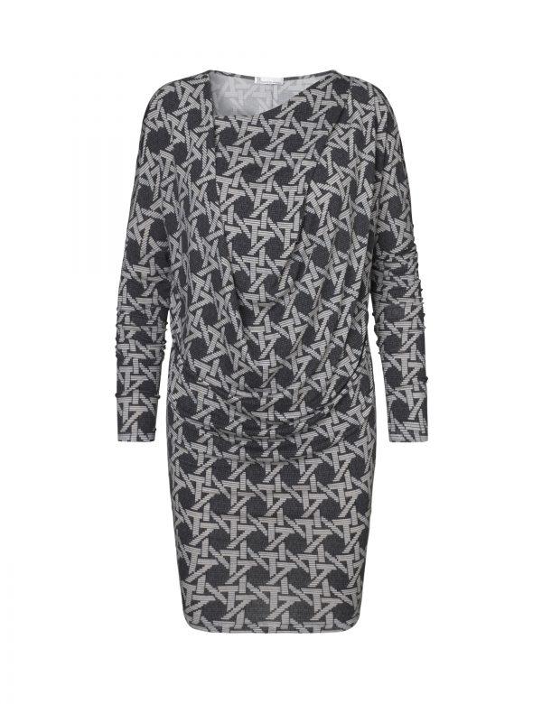 lene kjole flet i grå og sort af Johanne Rubinstein